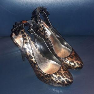 Steve madden leopard print bow high heels size 9